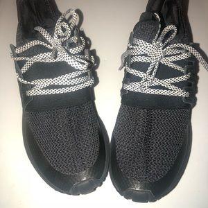 Adidas tubular radial Shoes. Women's 6-6.5 🖤🖤🖤